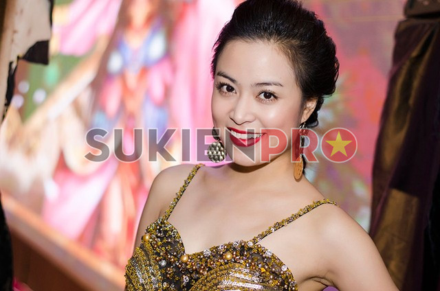 Cho thuê ca sĩ Hoàng Thùy Linh